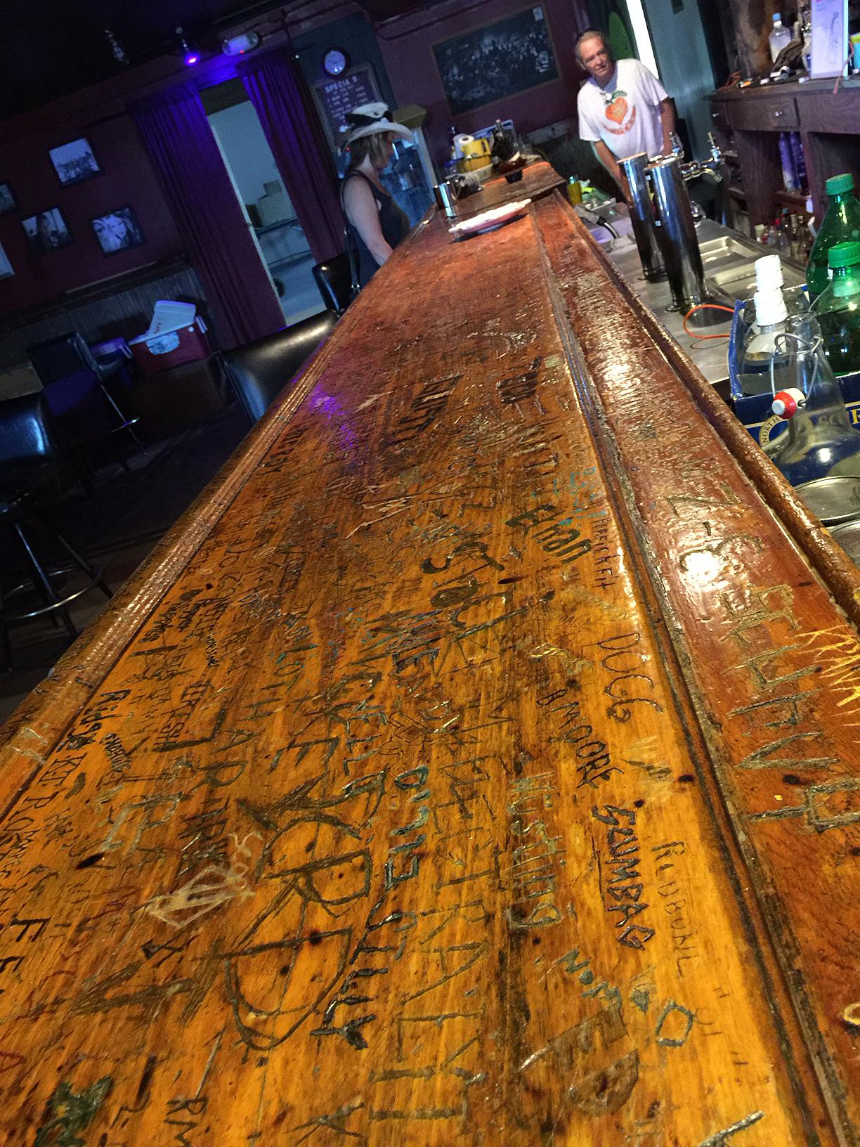 bar long view_0875