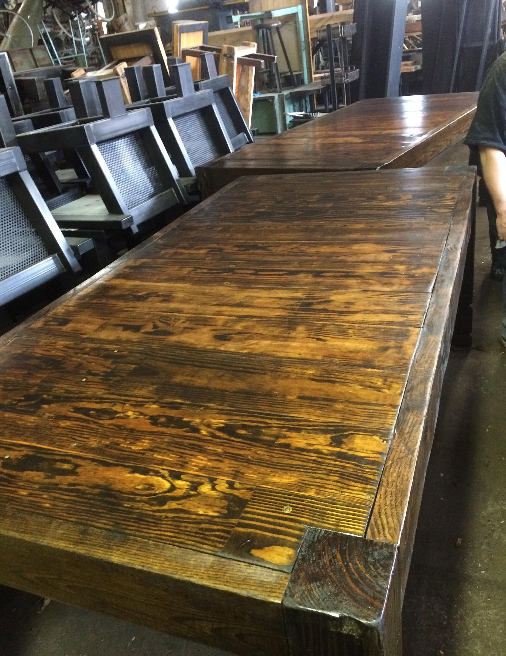 rust wood table_1522